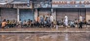 Distribuzione della colazione per i senza fissa dimora che dormono per le strade di Delhi (parte vecchia).   Meglio a schermo pieno  [img]http://www.micromosso.com/immagini/staff.jpg[/img]