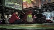 """[img]http://www.micromosso.com/immagini/staff.jpg[/img]  Roma, dicembre 2018, mostra multimediale degli impressionisti. Un tripudio di multivisioni sincronizzate con una colonna sonora """"ad hoc"""". Sicuramente siamo molto distanti dalla concezione canonica di mostra artistica. Si tratta di una esperienza sensoriale che incontra il gusto del pubblico più giovane. Ecco questo giovanissimo cultore d'arte, un bambimo letteralmente rapito dal mix sensoriale. Per chi è curioso qui il link della mostra: https://www.impressionistiroma.it/it"""