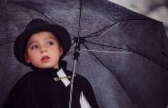 La pioggia scrive come un bambino sdraiato sulla sua pagina, con linee oblique e lente, diligenti.<br /> (Christian Bobin)</p> <p>Full screen please :-)<br /> [img]http://www.micromosso.com/immagini/staff.jpg[/img]<br />