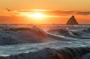 """[img]http://www.micromosso.com/immagini/staff.jpg[/img]  """"Quando la tempesta sarà finita, probabilmente non saprai neanche tu come hai fatto ad attraversarla e a uscirne vivo. Anzi, non sarai neanche sicuro se sia finita per davvero. Ma su un punto non c'è dubbio...Ed è che tu, uscito da quel vento, non sarai lo stesso che vi è entrato."""" -Haruki Murakami-  Perdonate l'assenza,  periodo burrascoso ma, fortunatamente, sta passando   :)"""