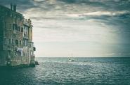 Una veduta  della pittoresca  Rovigno , la Venezia istriana , come vien chiamata...   Meglio in full.  [img]http://www.micromosso.com/immagini/staff.jpg[/img]